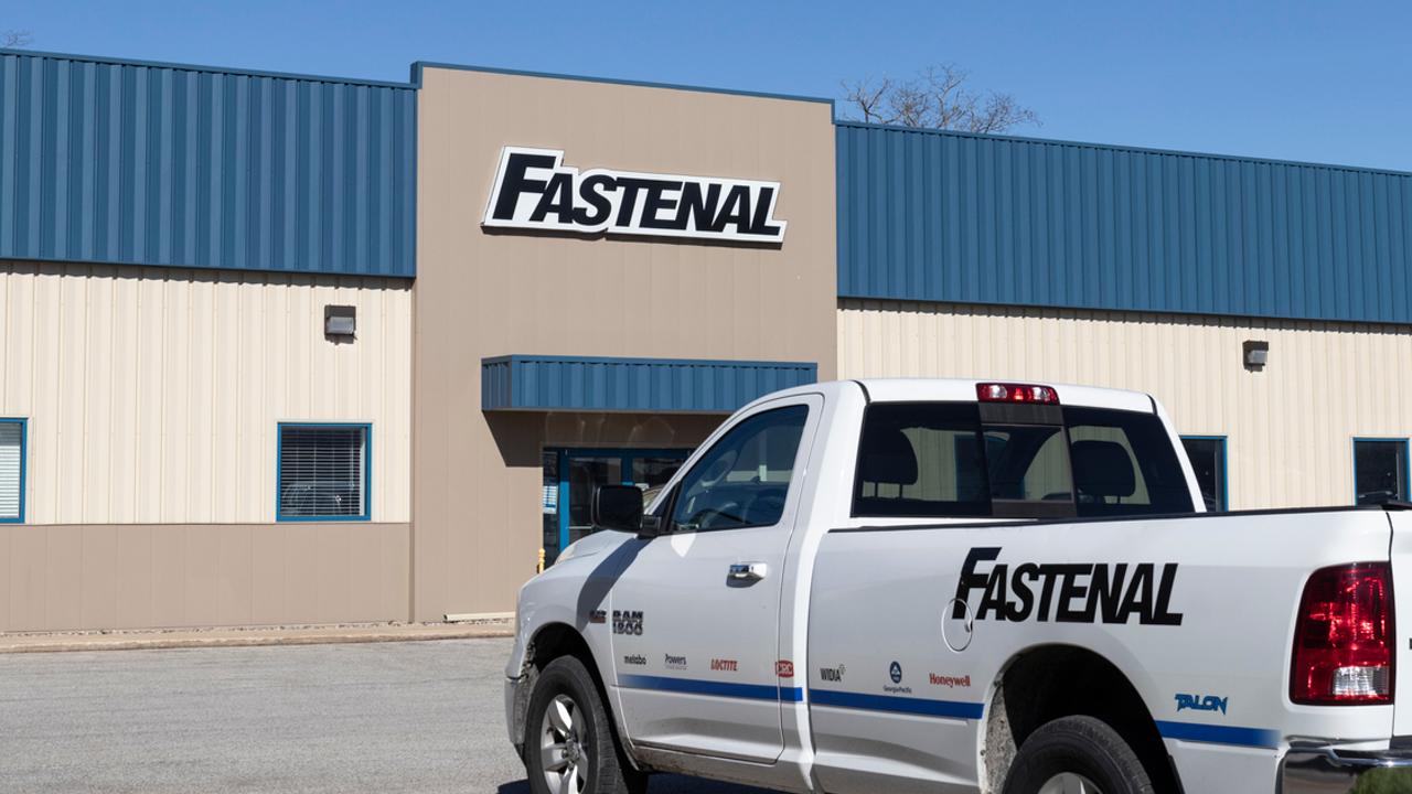 Fastenal公司8月份的日销售额再创佳绩